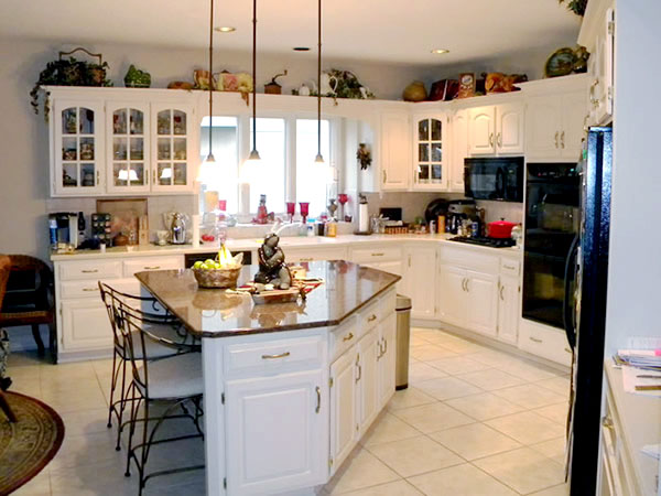 Home Staging Kitchen Before W